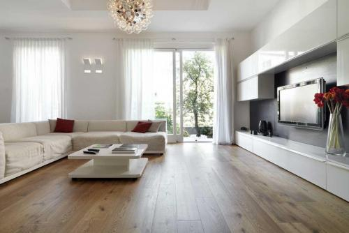 Eiken planken vloer behandeld met  Hardwax-Olie zijdeglans